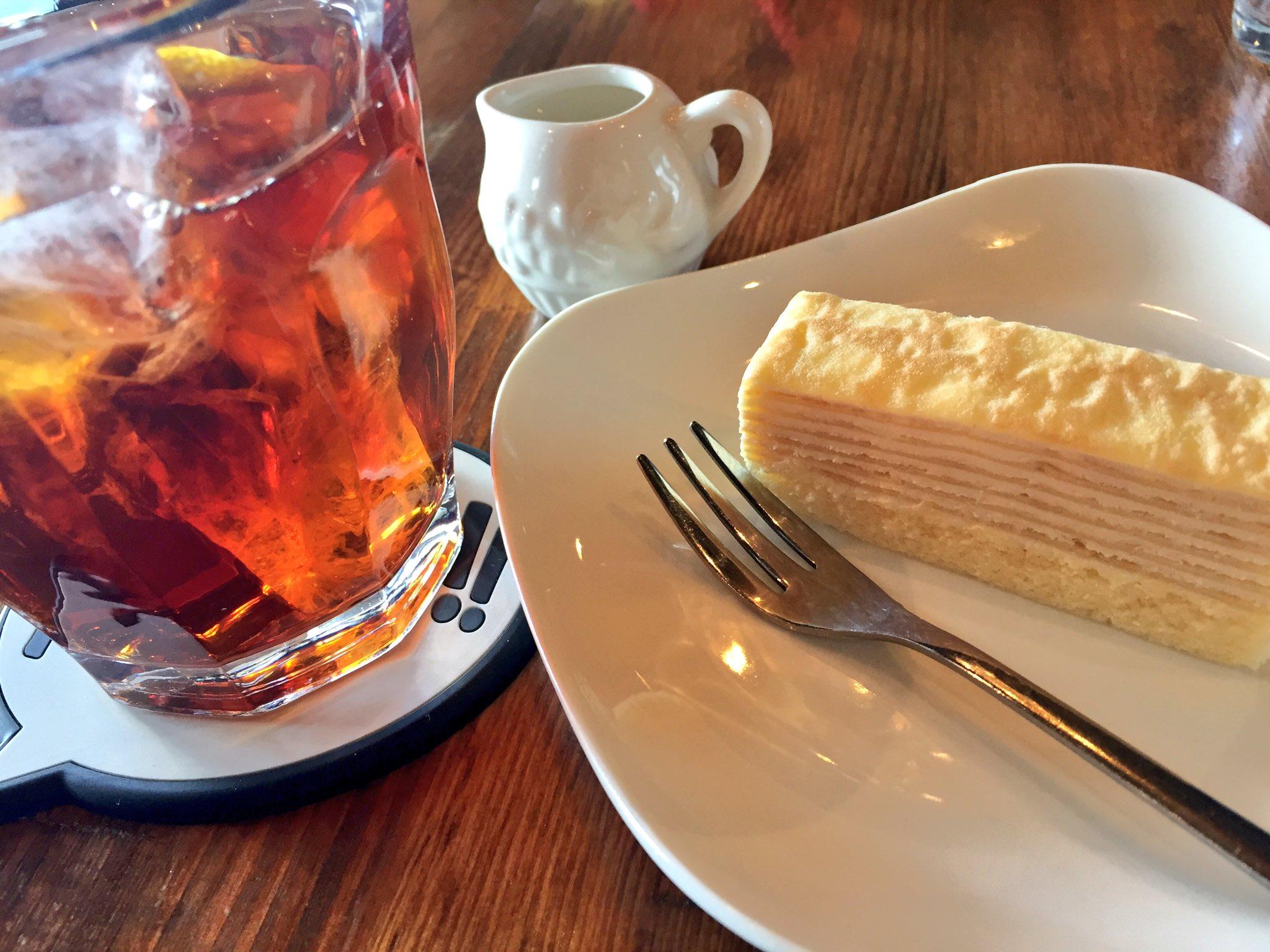 桑名市にあるQueen's Soup Cafeのケーキ&アイスティー